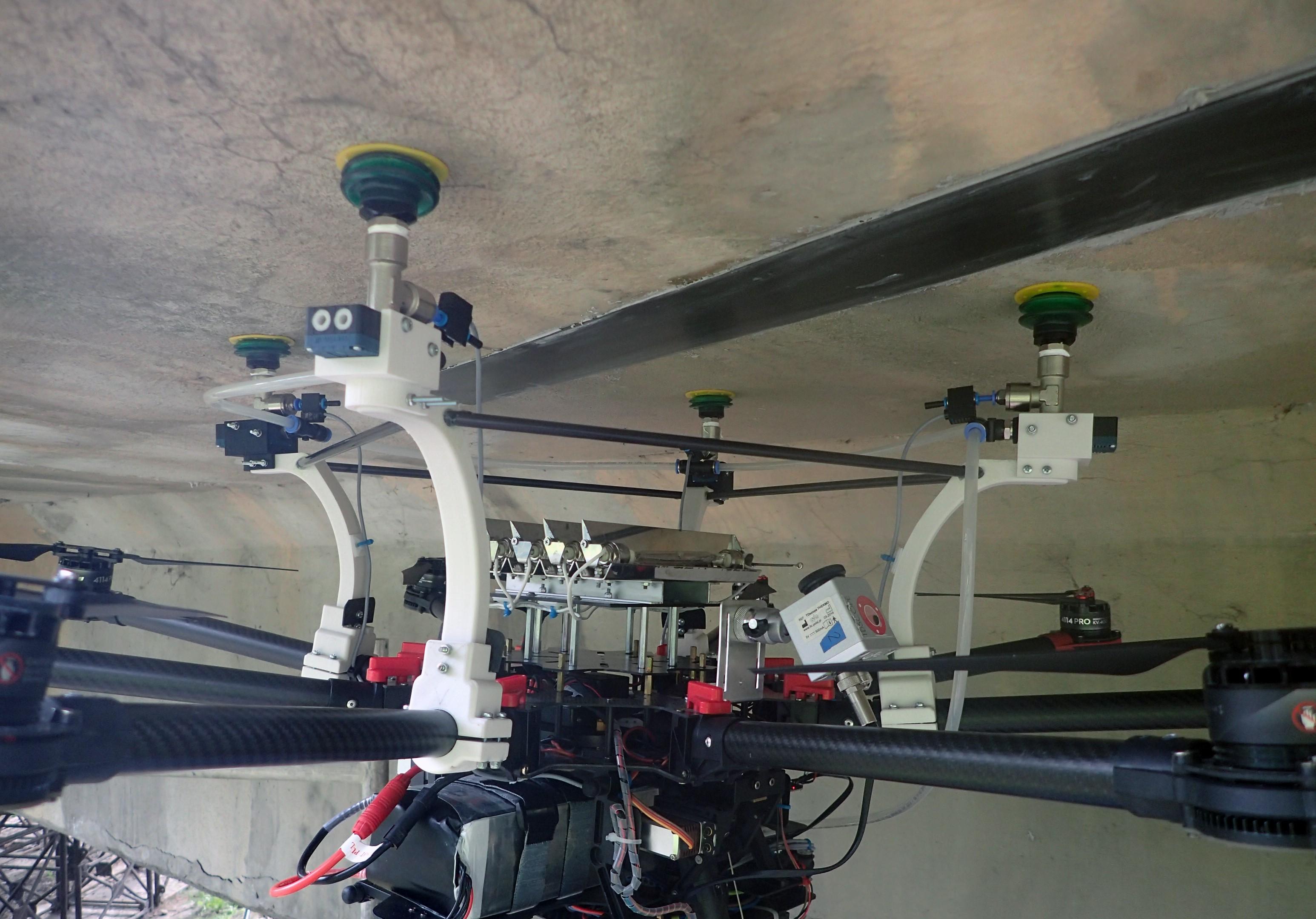 Badania in situ, na wiadukcie drogowym.Diagnostyka jakości zespolenia wzmocnień FRP z powierzchnią betonu z wykorzystaniem kamery termowizyjnej